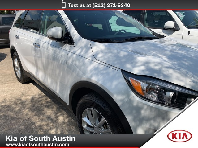 Certified Pre-Owned 2017 Kia Sorento LX V6 50/50 Split Folding 3rd Row Seats Pearl Paint